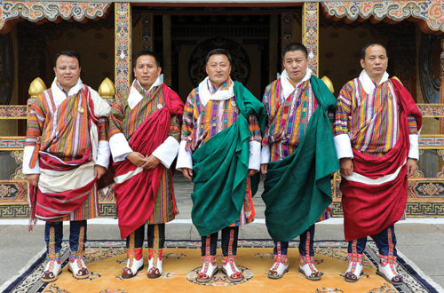 L-R: His Majesty granted Dhar to Drangchu Gup Pemba, Sarpang Dzongda Karma Galay, Drangpon Kuenley Tshering, Drangpon Norbu Tshering, Chukha Dzongda Minjur Dorji
